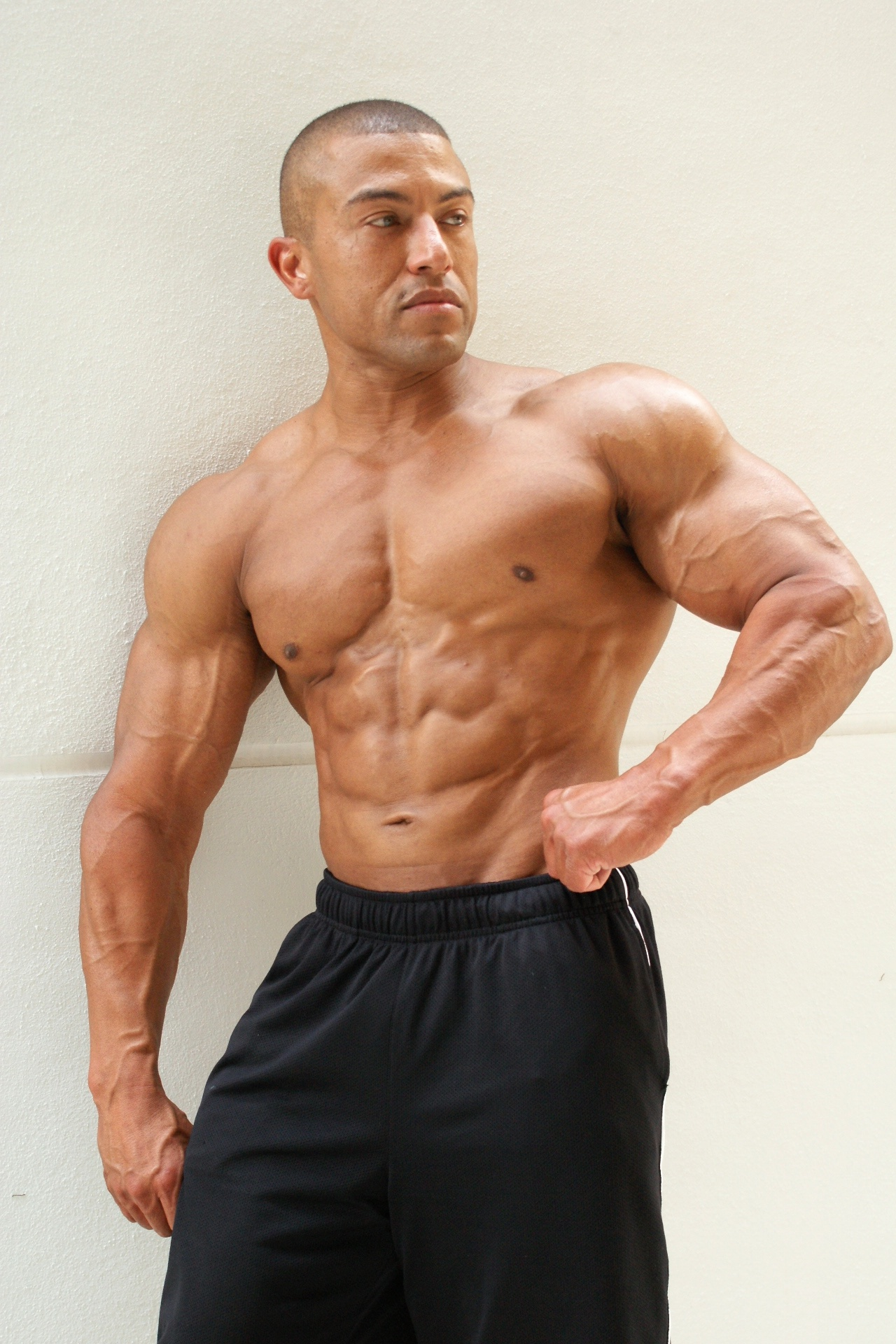 Can HGH Really Help You Grow Muscle, Burn Fat, and Delay Ageing